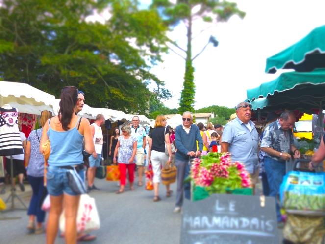 Marché d'Arès © Julie Boissière - Office de Tourisme Arès