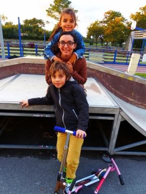 Photo de famille au skate parc